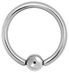 Krúžok s guľôčkovým zapínaním z titánu